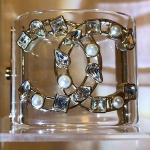 ✨CHANEL✨*Faux Pearl & Crystal Cuff (NEW!!)